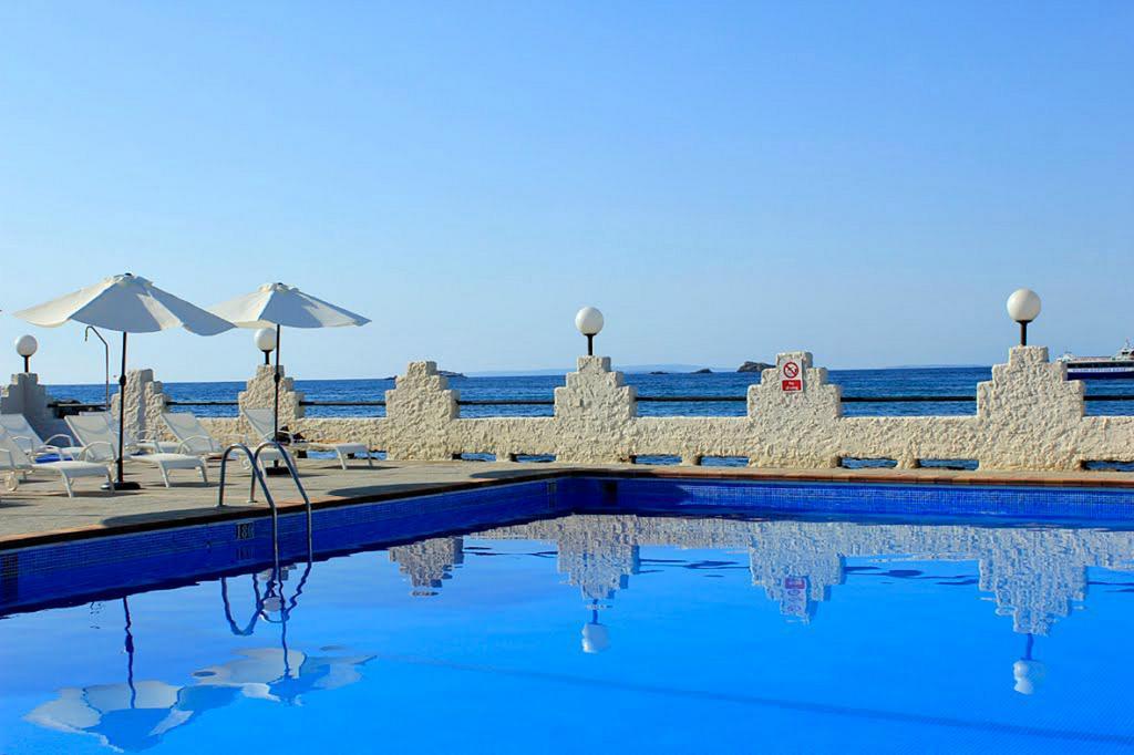 Image of Hotel Náutico Ebeso