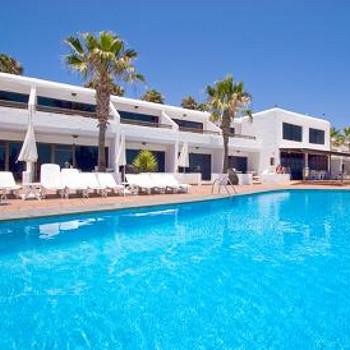 Club de mar apartments holiday reviews puerto del carmen - Apartamentos baratos en lanzarote puerto del carmen ...