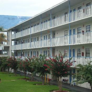 Image of Econo Lodge Inn & Suites International Dr Hotel
