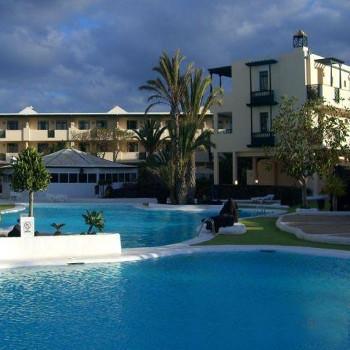 Image of El Trebol Apartments