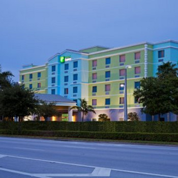Image of Holiday Inn Express & Suites Fort Lauderdale