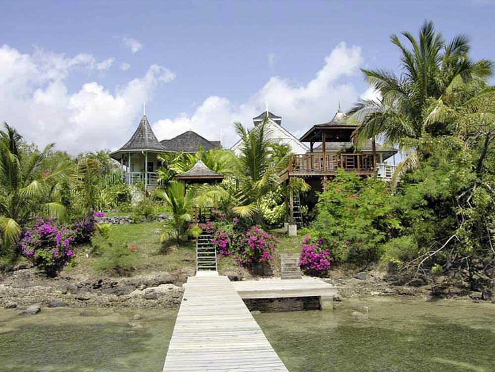 Image of Ixora Holiday Villa