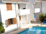 Image of Leo Apartments