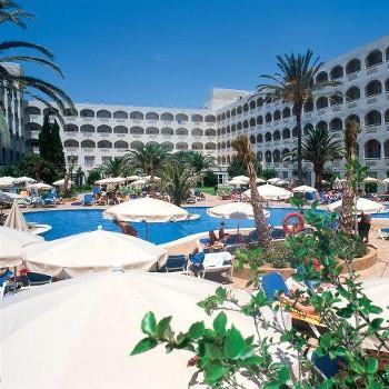 Image of Luca Costa Lago Hotel