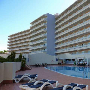 Image of Fergus Barracuda Hotel