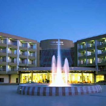 Image of Maritim Pine Beach Resort
