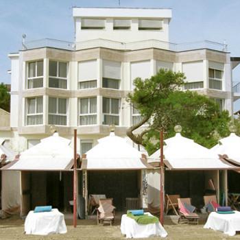 Image of Petit Palais Club Hotel